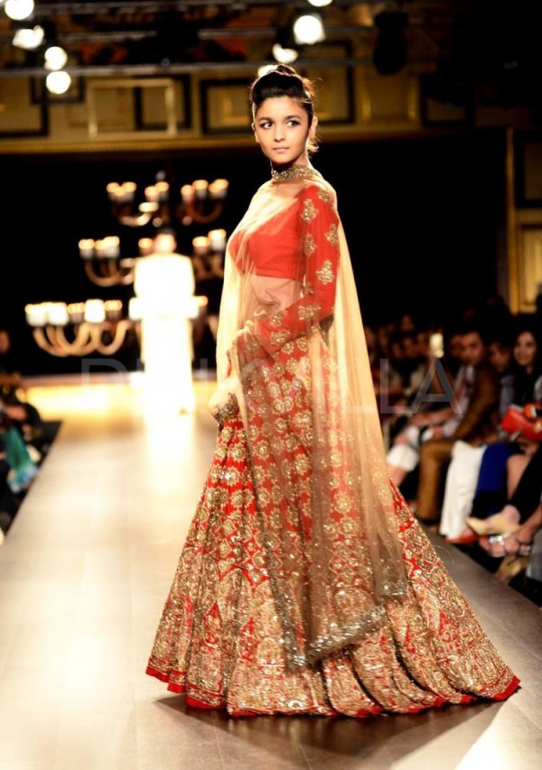Wedding dresses for girls , Trending Indian Bridal Outfits