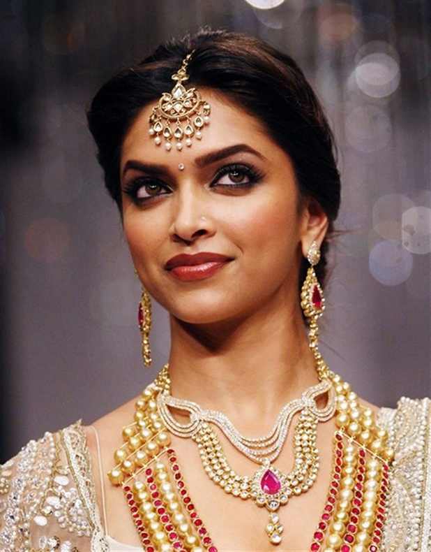 Wedding Jewellery worn by Bollywood Actresses