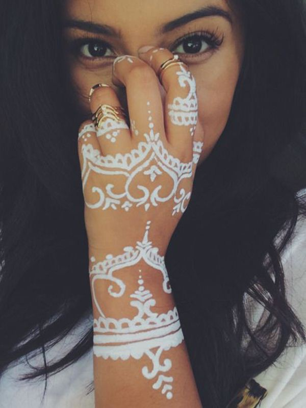 Beachy Henna Tattoos: White Henna Designs For Beach Weddings, White Mehendi