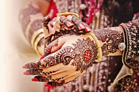 Eye-catching Bridal Mehendi Designs for Your Wedding